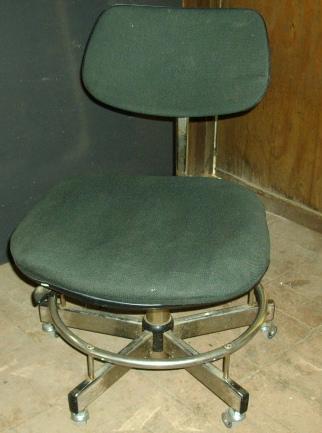 椅子の全景です